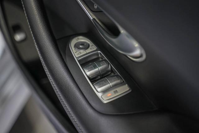 2018 Mercedes-Benz E-class A238 E300 Cabriolet Image 19