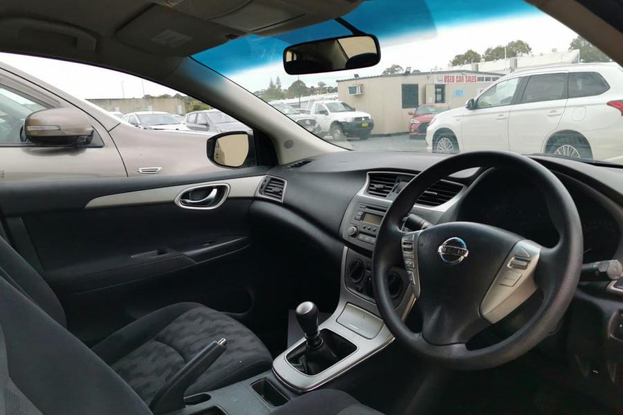 2013 Nissan Pulsar B1 Sedan Sedan