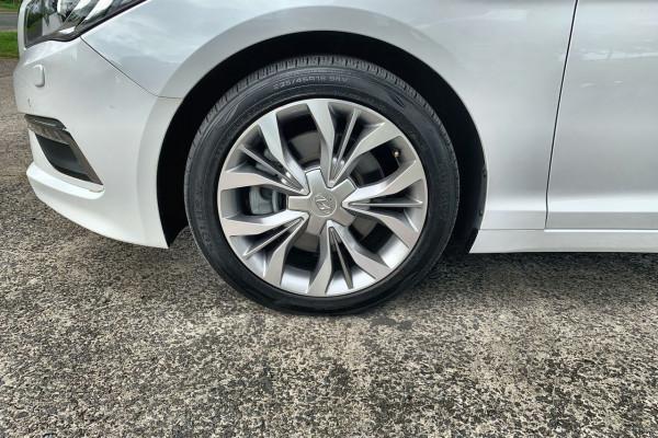 2015 Hyundai Sonata LF Premium Sedan Image 2