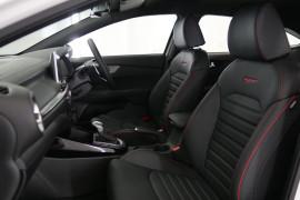 2019 Kia Cerato Hatch BD GT Hatchback Image 2