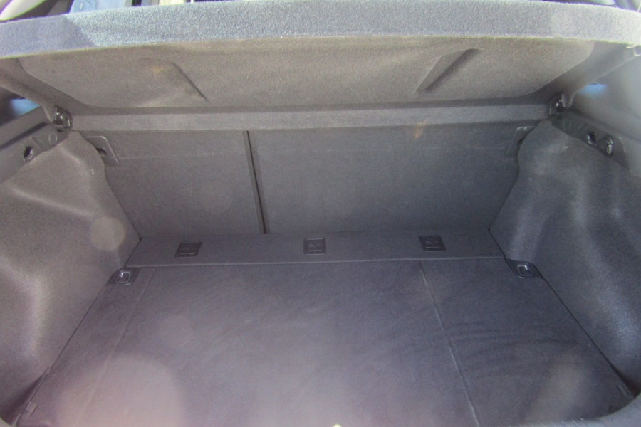2013 MY14 Hyundai i30 GD2 Premium Hatchback Image 6