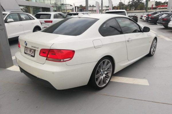 2009 MY10 BMW 330d E92 MY10 Coupe Image 3