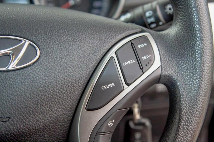 2016 Hyundai i30 GD4 Series 2 Active Hatchback Image 14