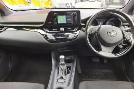 2018 Toyota C-hr NGX10R Suv Mobile Image 9
