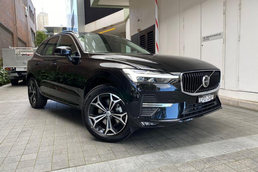 2022 Volvo XC60 B5 Momentum