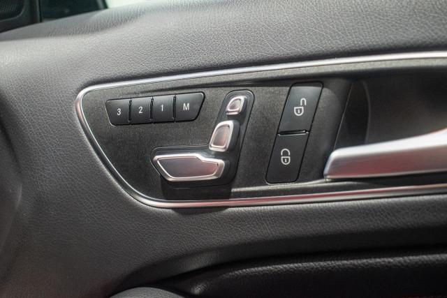 2017 Mercedes-Benz A-class W176 A200 Hatchback Image 13
