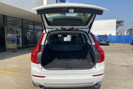 Volvo XC90 AT D5 Momentum 2.0L TT/D 8Spd 173kW
