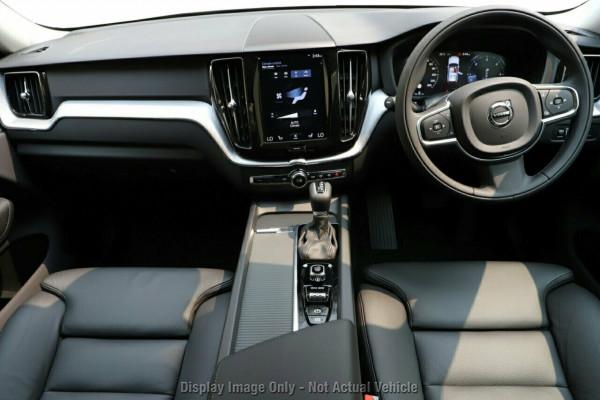 2019 MY20 Volvo XC60 UZ D4 Momentum Suv Image 5