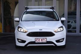 2016 Ford Focus LZ Titanium Hatchback Image 2
