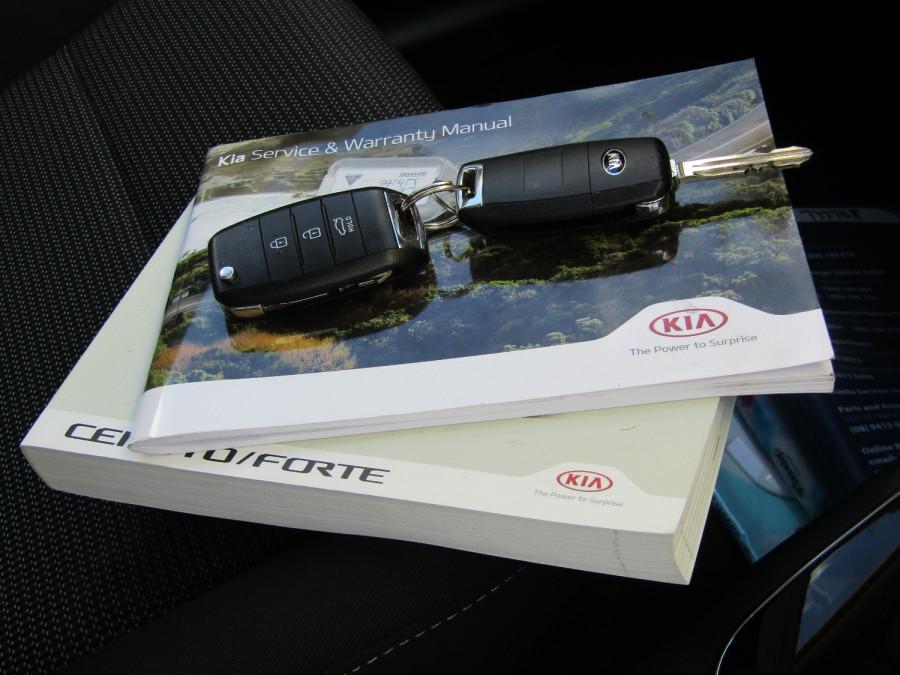2018 Kia Cerato YD S Hatchback Image 28