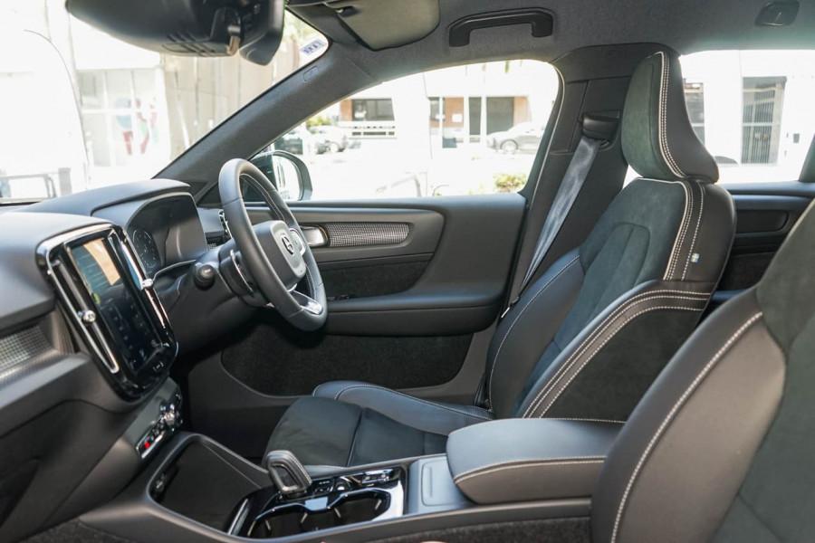 2019 Volvo XC40 XZ T5 R-Design Suv Mobile Image 7