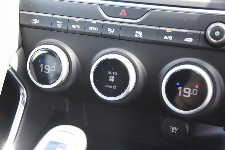 2019 MY20 Jaguar E-PACE Suv Image 14
