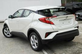 2017 Toyota C-hr NGX10R Suv