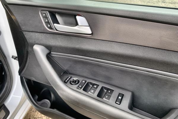 2015 Hyundai Sonata LF Premium Sedan Image 4