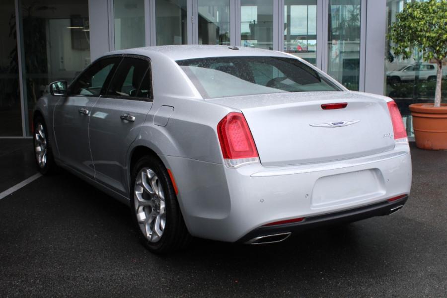 2020 MY19 Chrysler 300 LX C Luxury Sedan Image 24