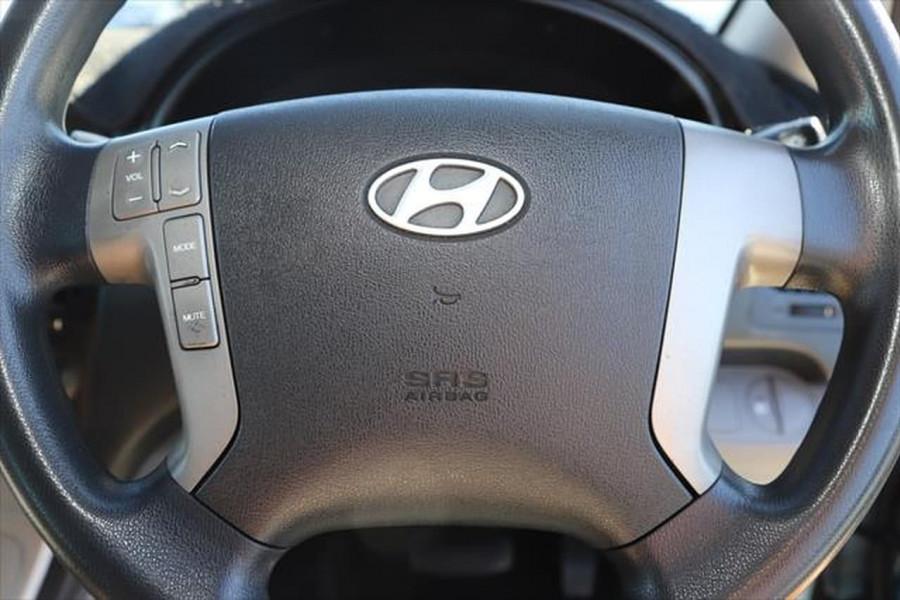 2010 Hyundai Imax TQ-W Wagon