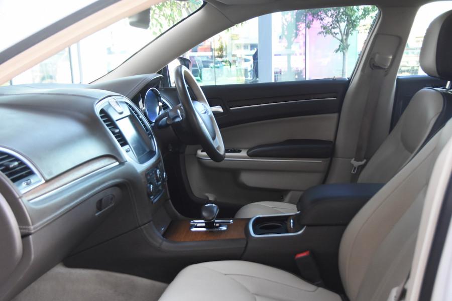 2014 Chrysler 300 LX C Sedan
