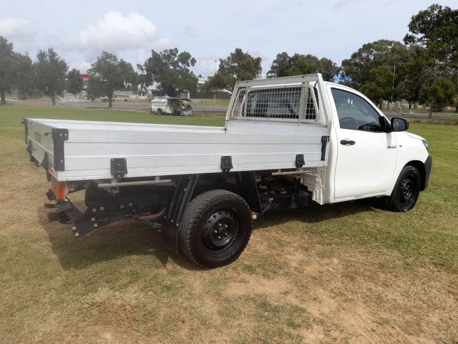 2015 MY14 Toyota HiLux KUN16R Turbo Workmate Cab chassis Image 7