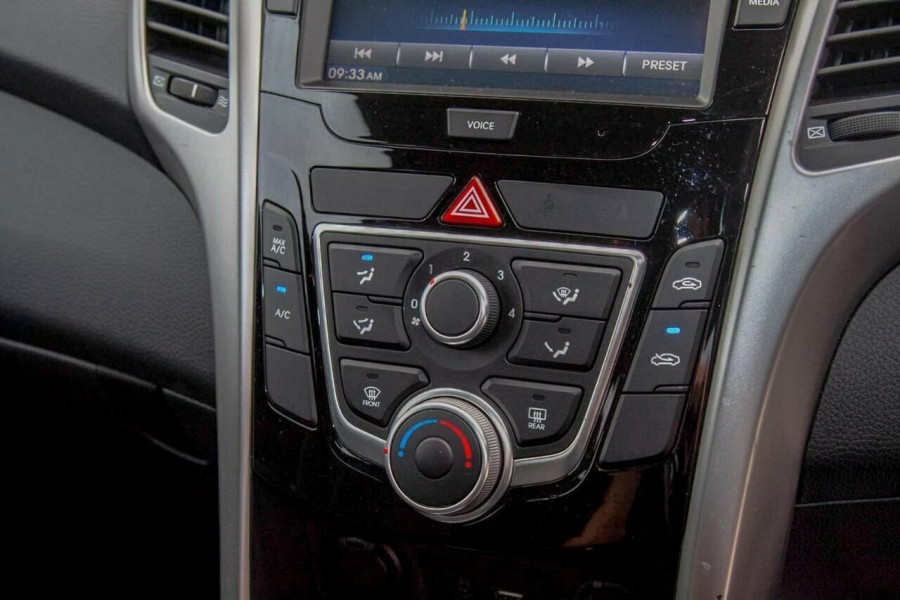 2016 Hyundai i30 GD4 Series 2 Active Hatchback Image 11