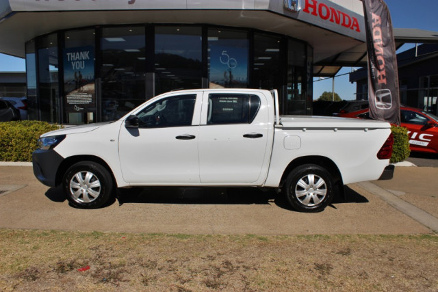 2016 Toyota HiLux TGN121R Workmate Utility - dual cab Image 5
