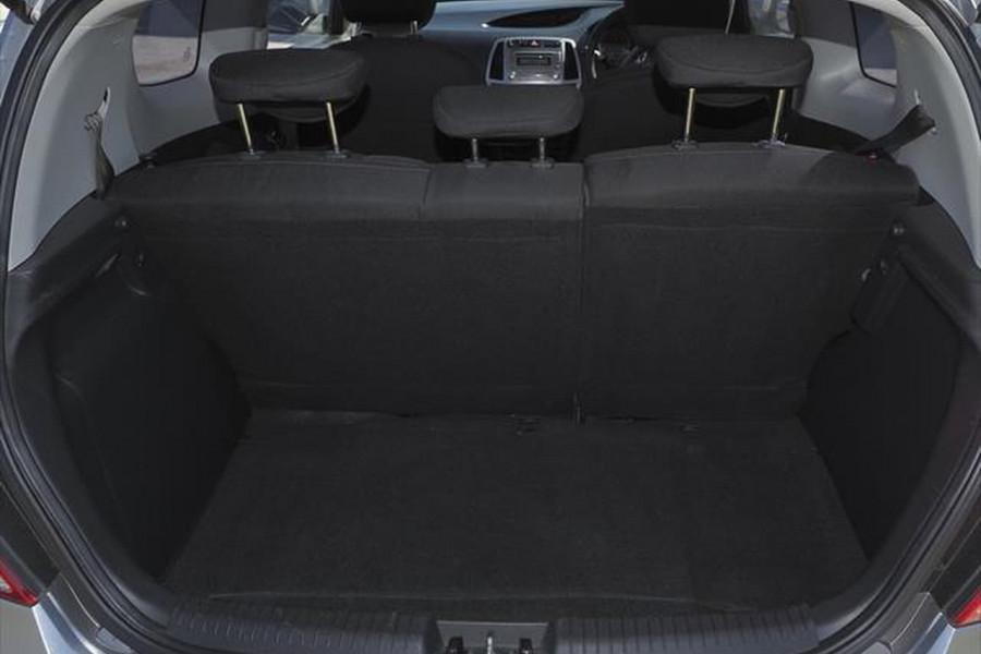 2014 Hyundai I20 PB MY15 Active Hatchback Image 8