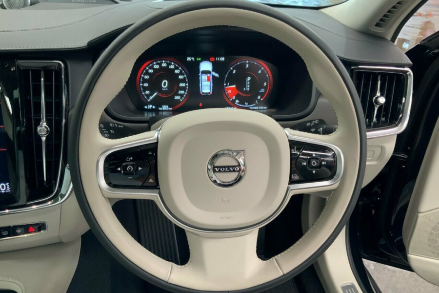 2019 Volvo V90 236 MY19 D5 Cross Country Inscription Wagon Mobile Image 19