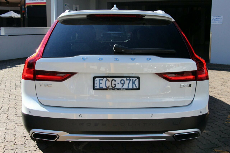 2019 Volvo V90 Cross Country D5 Wagon Mobile Image 18
