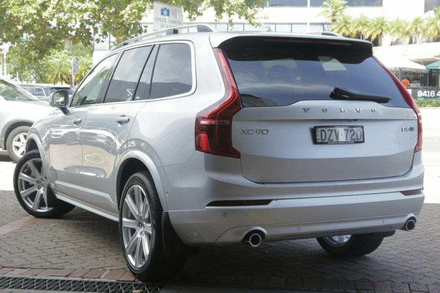 2018 MY19 Volvo XC90 L Series D5 Momentum (AWD) Suv Mobile Image 3