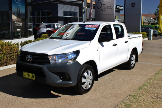 2016 Toyota HiLux TGN121R Workmate Utility - dual cab