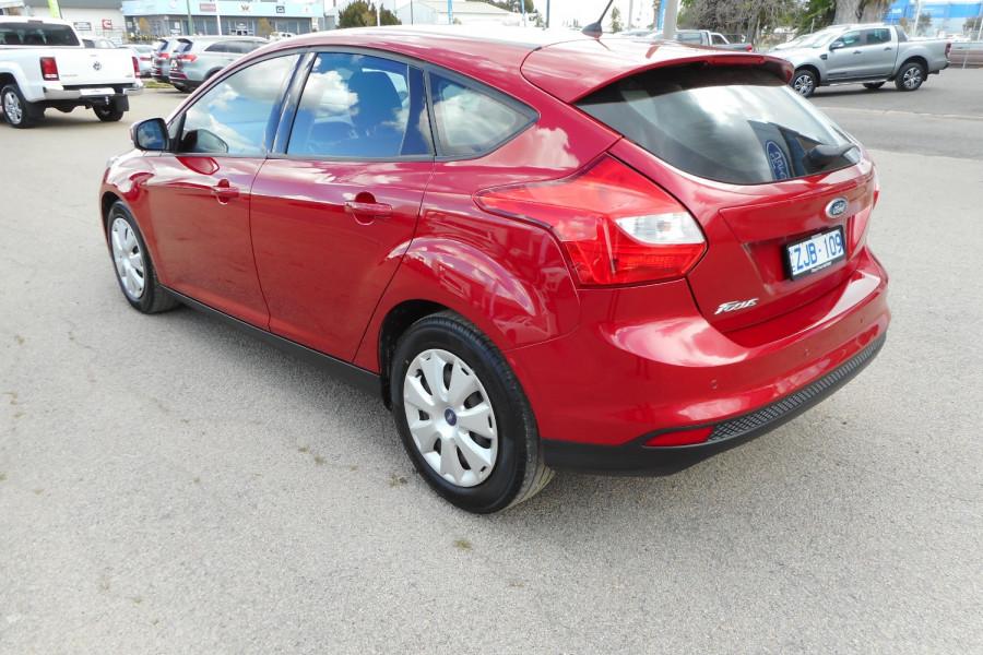 2012 Ford Focus LW  II AMBIENTE Hatchback Image 6