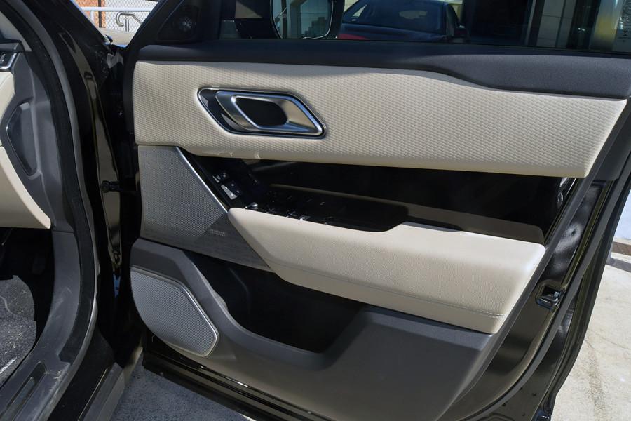 2019 MY19.5 Land Rover Range Rover Velar L560 Velar SE Suv Mobile Image 13