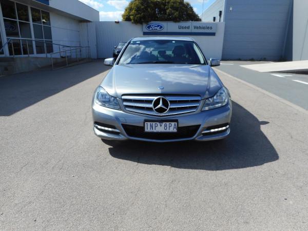 2014 Mercedes-Benz C-class W204  C250 CDI Avantgarde Sedan Image 3