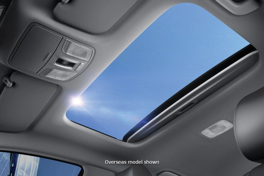 All New Stonic Sunroof