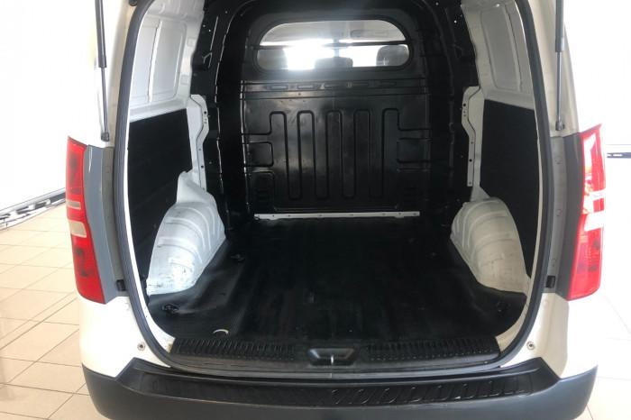 2013 Hyundai Iload TQ2-V MY13 Van Image 9