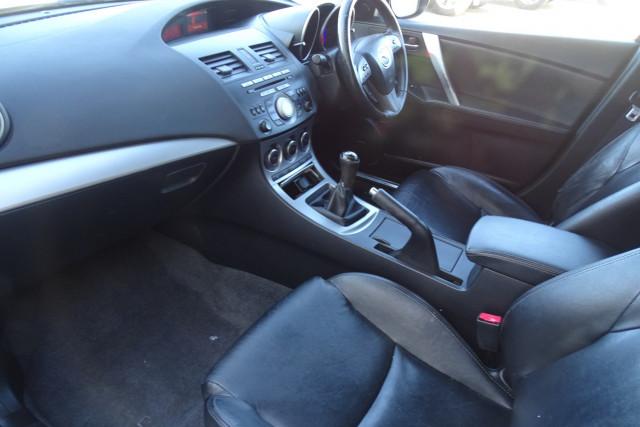 2010 Mazda 3 SP25 6 of 22