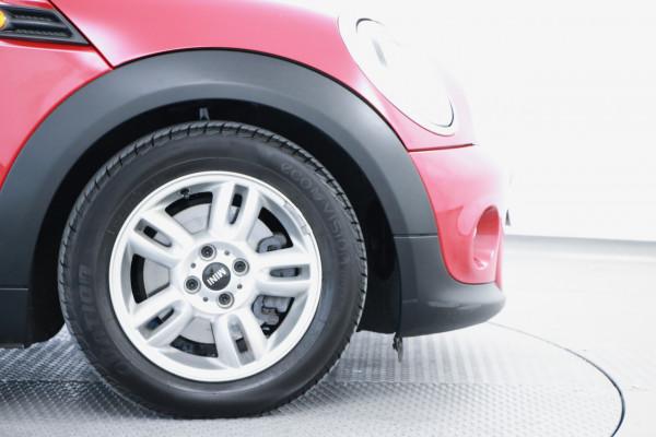 2012 Mini Hatch R56 LCI Cooper Hatchback Image 5