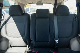 2012 Mitsubishi Challenger PB (KG) MY12 Wagon Mobile Image 14