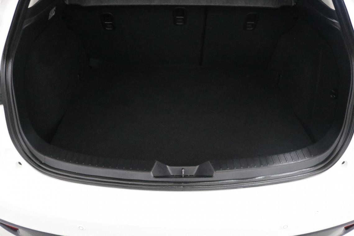 2016 Mazda 3 BM5478 MAXX Hatchback Image 7