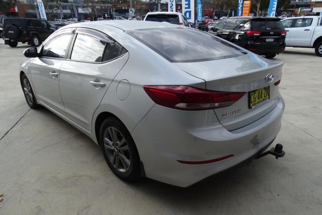 2016 Hyundai Elantra Active 9 of 27