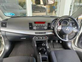 2009 Mitsubishi Lancer CJ  ES Sedan image 11
