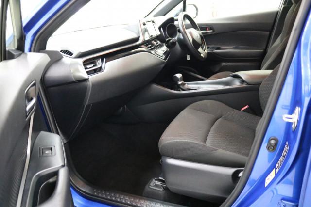 2019 Toyota C-hr NGX10R NGX10R Suv Image 5