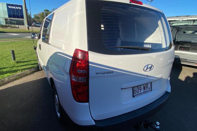 2016 Hyundai Iload TQ3-V Series II  Van Image 5