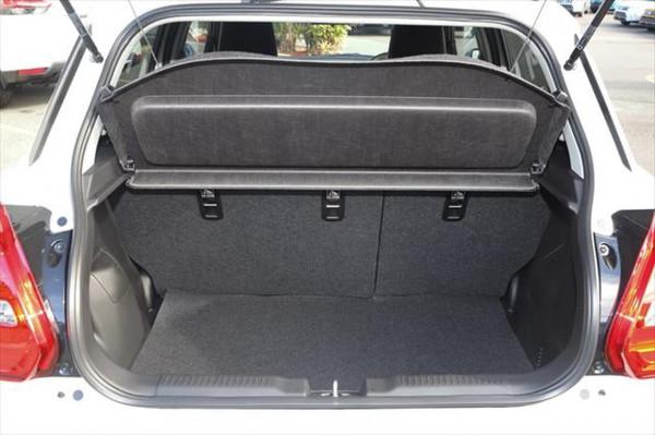 2020 Suzuki Swift AZ GLX Hatchback image 5