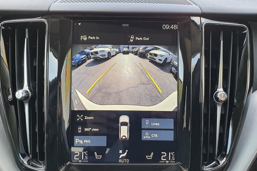 2020 Volvo XC60 UZ D4 Momentum Suv Mobile Image 9