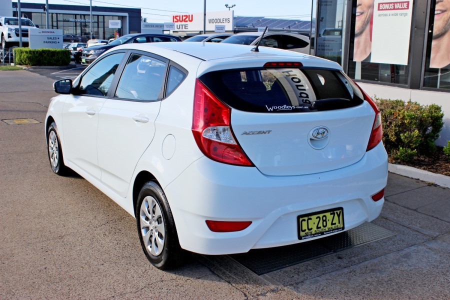 2015 Hyundai Accent RB2  Active Hatchback Image 6