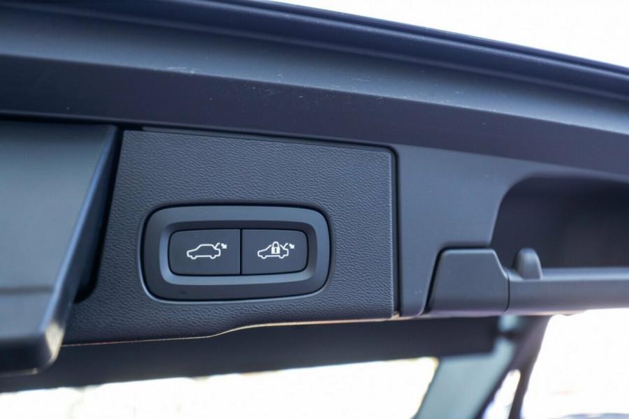 2020 Volvo XC60 UZ T5 Momentum Suv Image 16