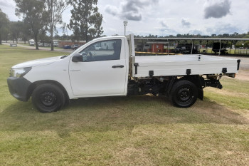 2015 MY14 Toyota HiLux GUN122R Turbo Workmate Cab chassis