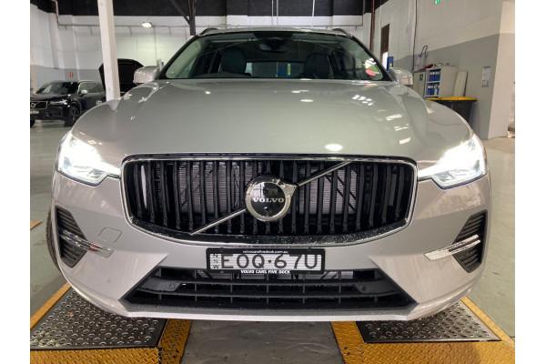 2022 Volvo XC60 B5 Momentum 2.0L T/P 183kW AWD 8A Suv Image 3