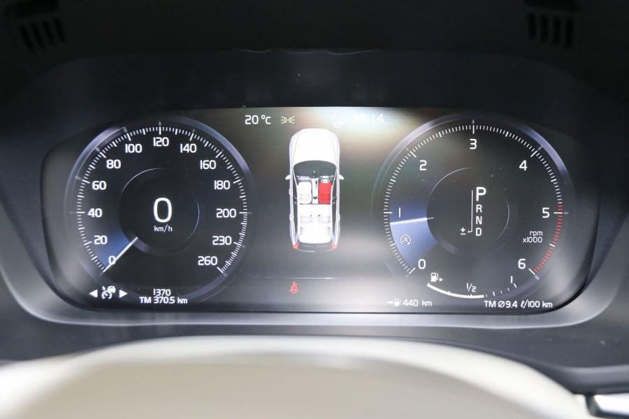 2020 MY21 Volvo XC60 UZ D4 Momentum Suv Image 22