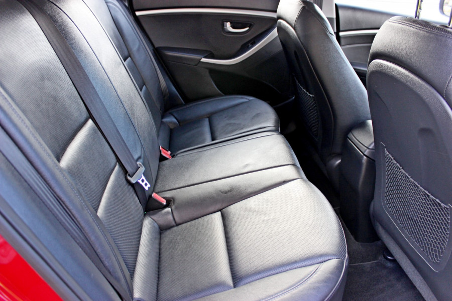 2014 Hyundai i30 GD2 Trophy Hatchback Image 9
